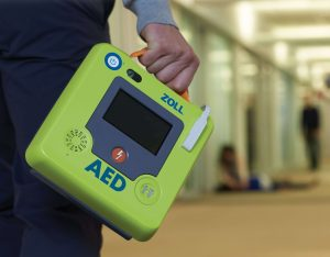 Person carrying the ZOLL AED 3